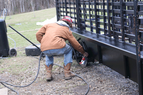 cattle_trailer_painting
