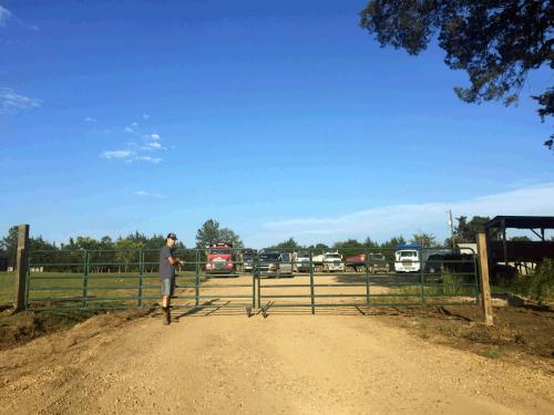 fencing_250_gate