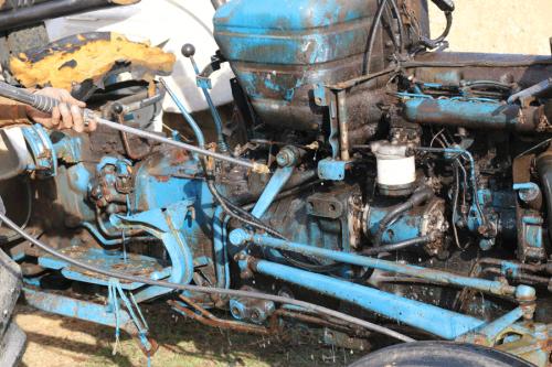 tractor_restoration4